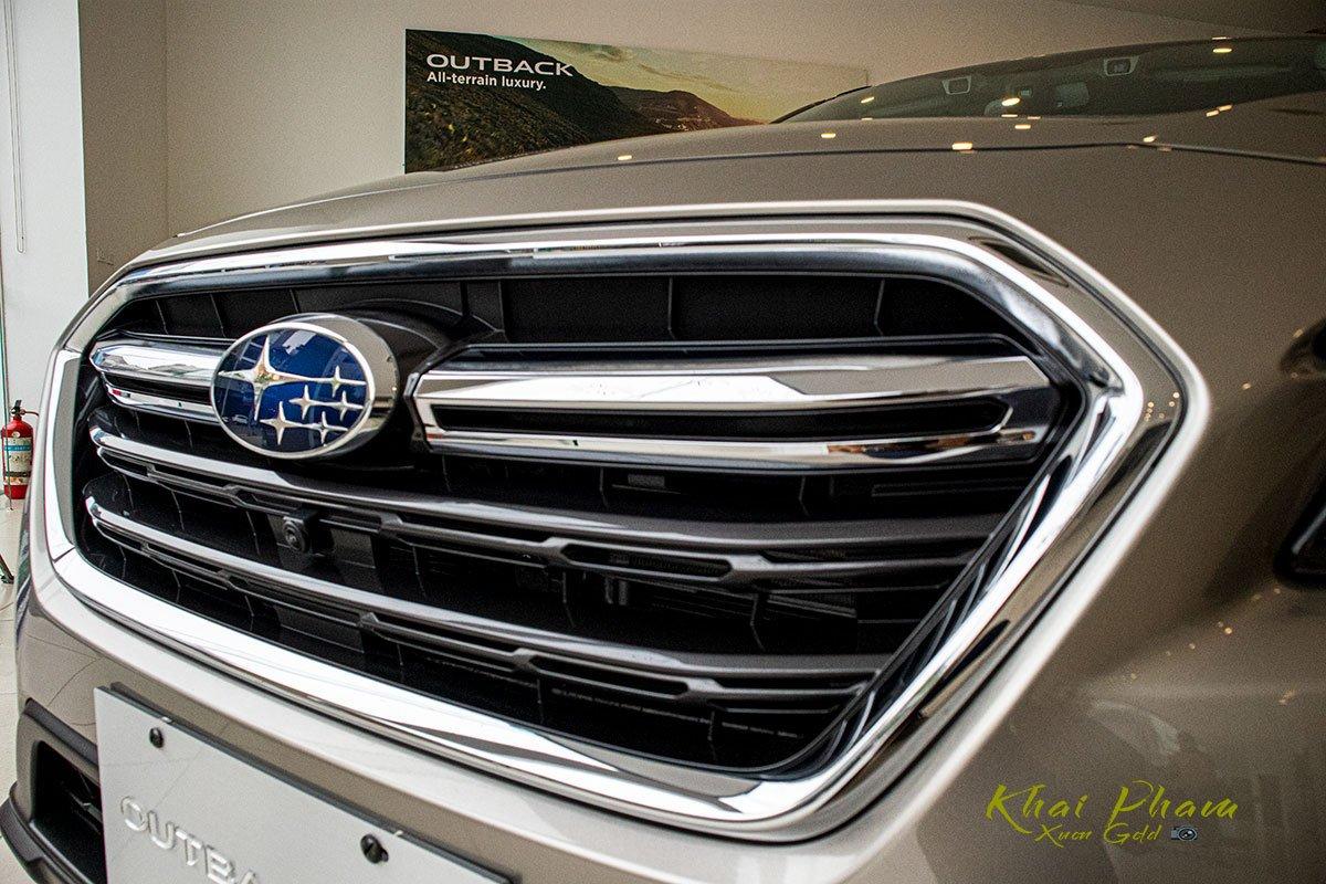 Ảnh chụp lưới tản nhiệt xe Subaru Outback 2020