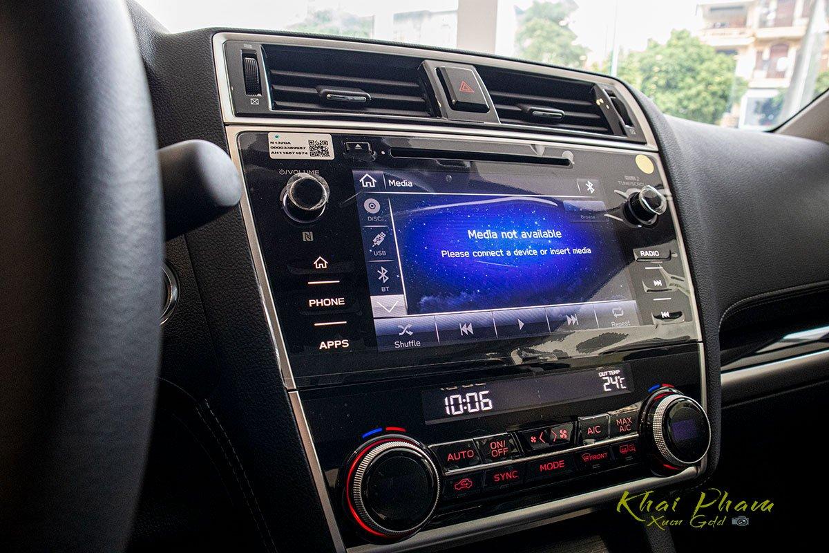 Ảnh chụp màn hình giải trí xe Subaru Outback 2020