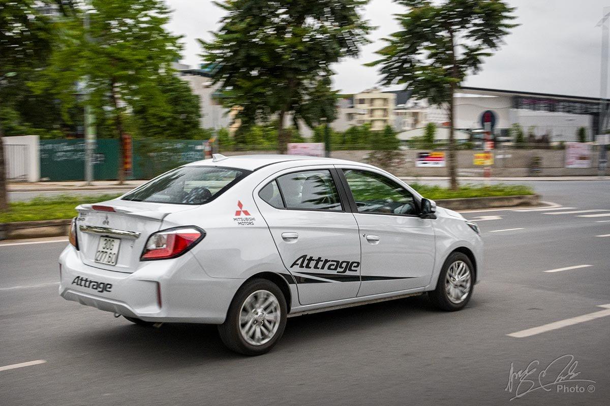 Đánh giá xe Mitsubishi Attrage CVT 2020: Cảm giác êm ái đến từ hộp số vô cấp.
