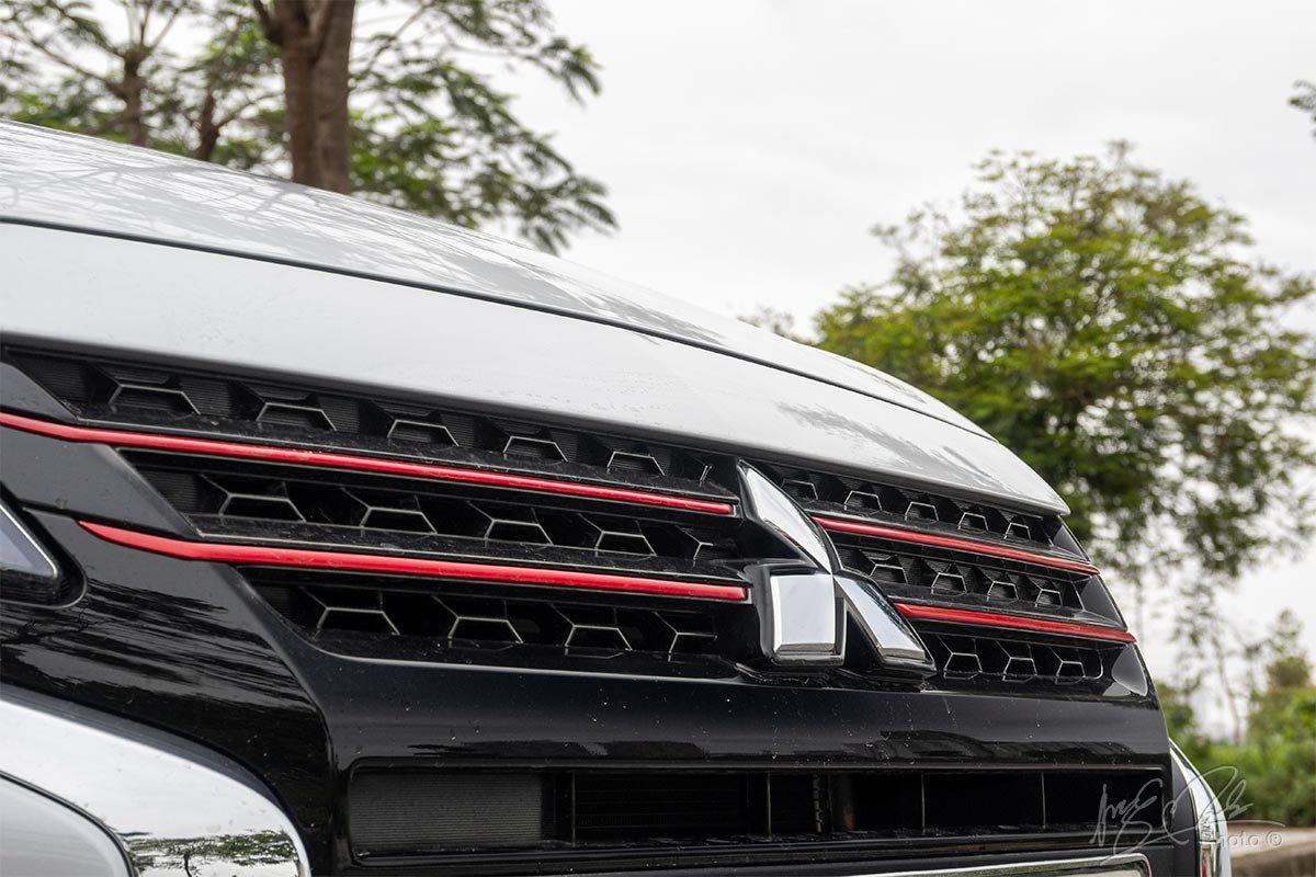 Đánh giá xe Mitsubishi Attrage CVT 2020: Lưới tản nhiệt.