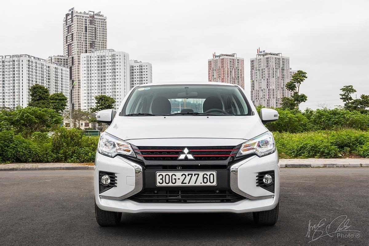 Đánh giá xe Mitsubishi Attrage CVT 2020: Thiết kế đầu xe.