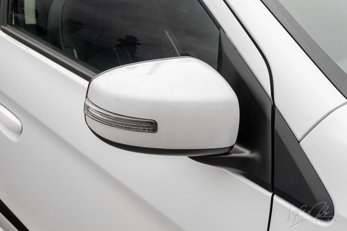 Đánh giá xe Mitsubishi Attrage CVT 2020: Gương chiếu hậu tích hợp xi nhan.
