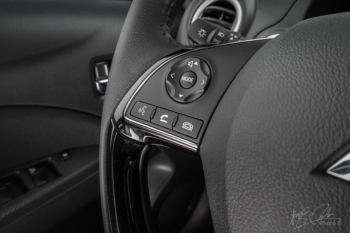 Đánh giá xe Mitsubishi Attrage CVT 2020: Vô-lăng tích hợp nút bấm.