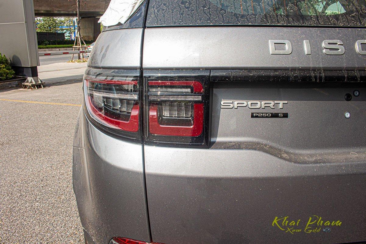 Hình ảnh chụp đèn hậu xe Land Rover Discovery Sport S 2020