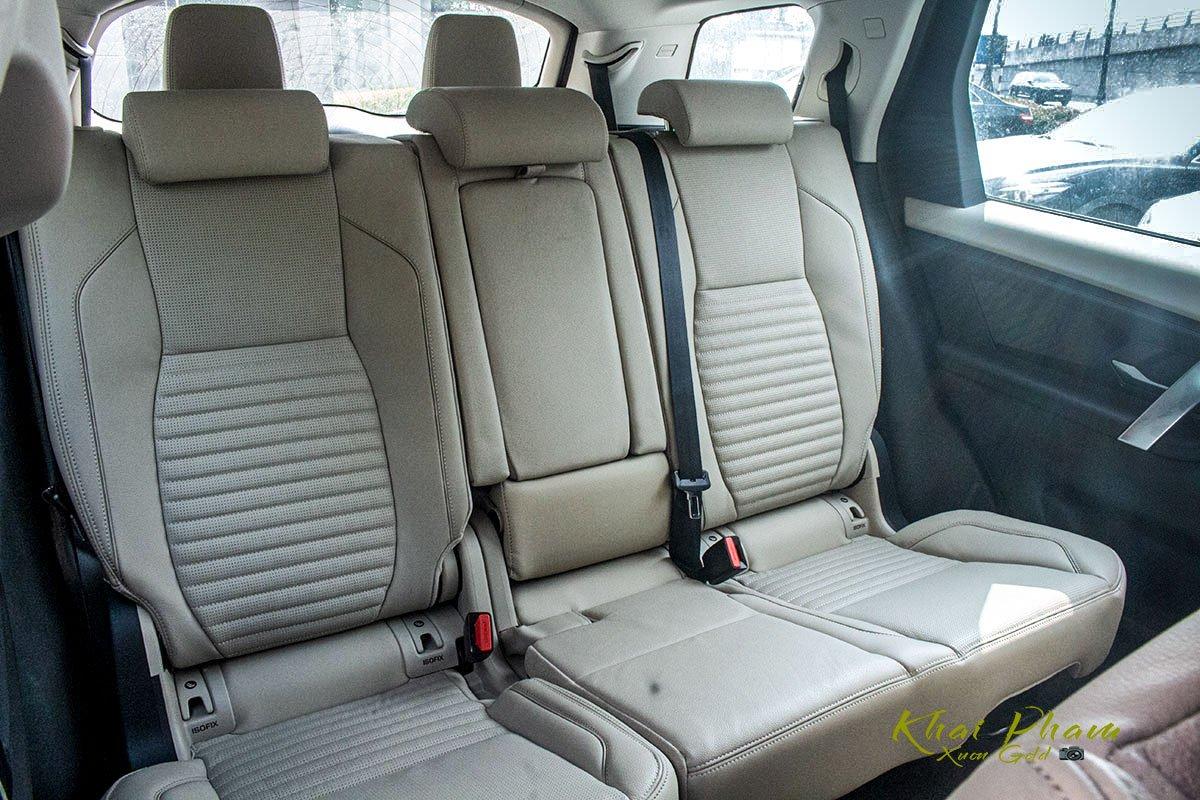 Hình ảnh chụp ghế sau xe Land Rover Discovery Sport S 2020 1