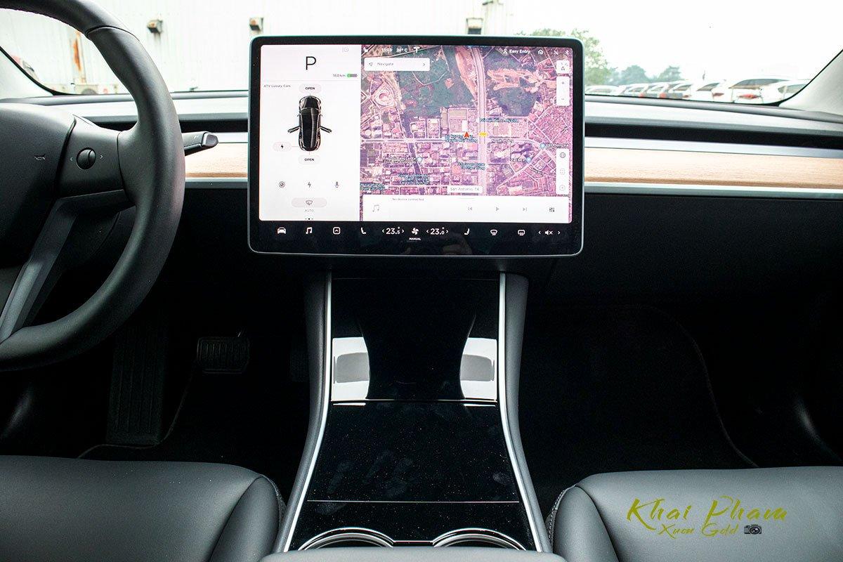 Ảnh chụp tiện nghi xe Tesla Model 3 2020
