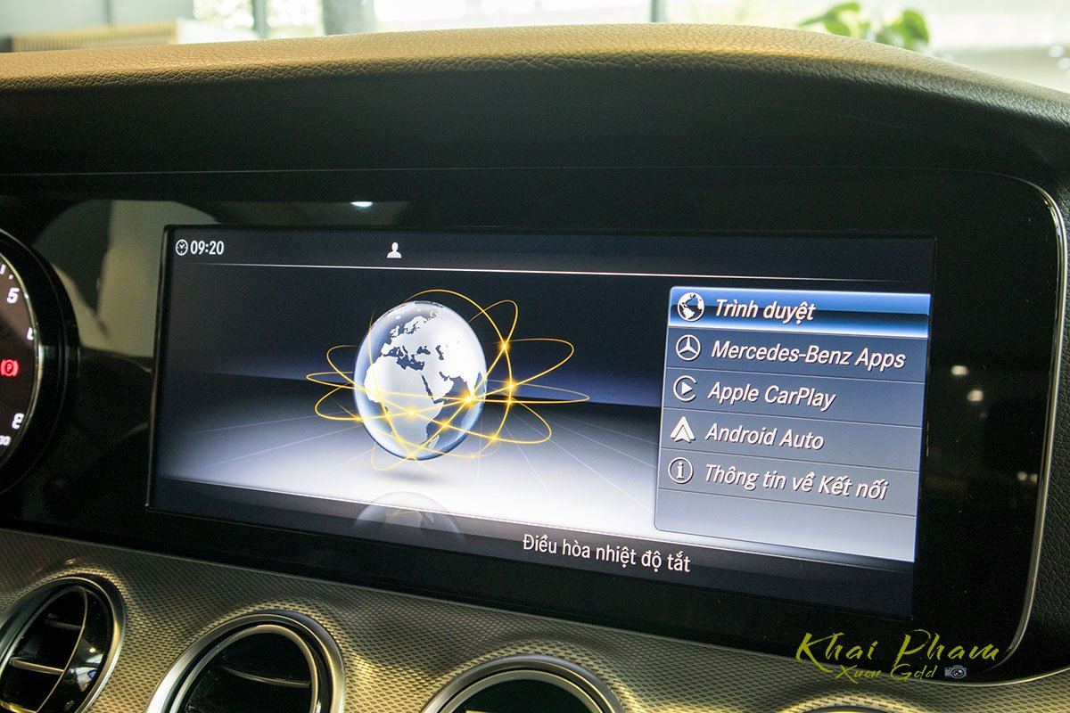 Ảnh chụp màn hình tràn xe Mercedes-Benz E 180 2020