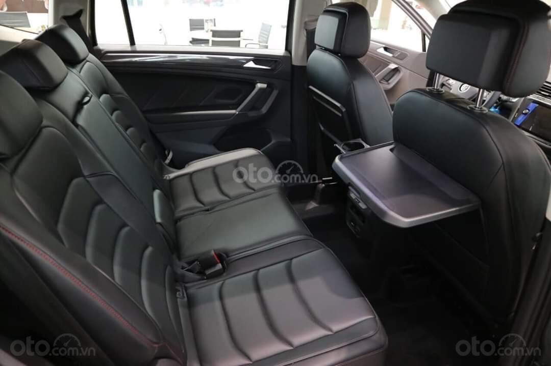 Khuyến mãi đặc biệt cho xe Tiguan Luxury 2020 màu xanh, Ms. Lan Phương VW Sài Gòn (7)