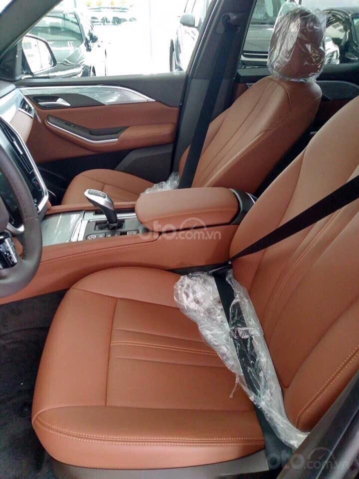Bán xe VinFast LUX SA2.0 giảm 300tr tiền mặt, đủ màu giao ngay, giá cam kết tốt nhất miền Bắc, tặng full phụ kiện (5)