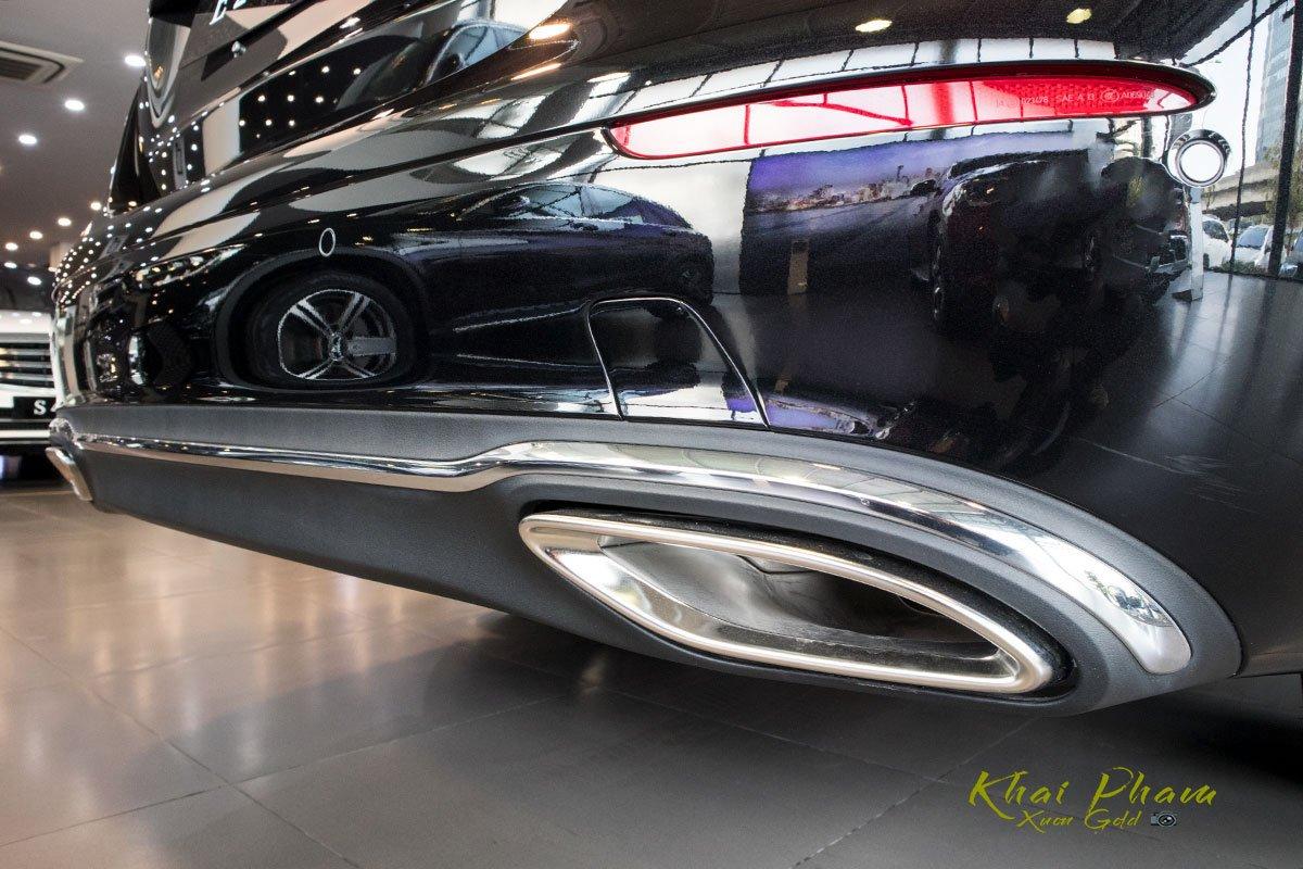 Ảnh chụp cản sau xe Mercedes-Benz E 200 Exclusive 2020