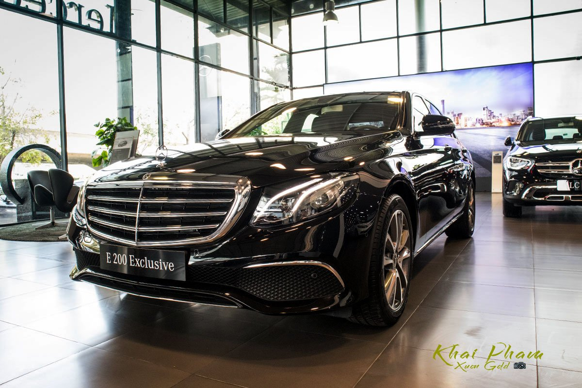 Ảnh chụp trước xe Mercedes-Benz E 200 Exclusive 2020 2020 1
