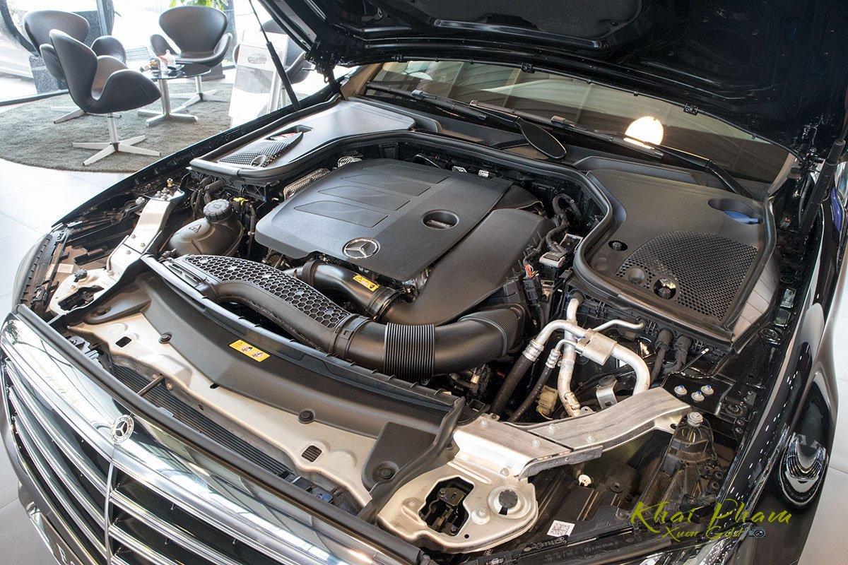 Ảnh chụp nút bấm động cơ xe Mercedes-Benz E 200 Exclusive 2020 2020 1