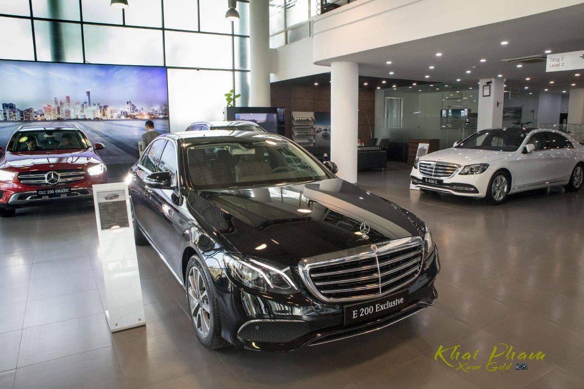 Ảnh chụp trước đầu xe Mercedes-Benz E 200 Exclusive 2020 2020 1