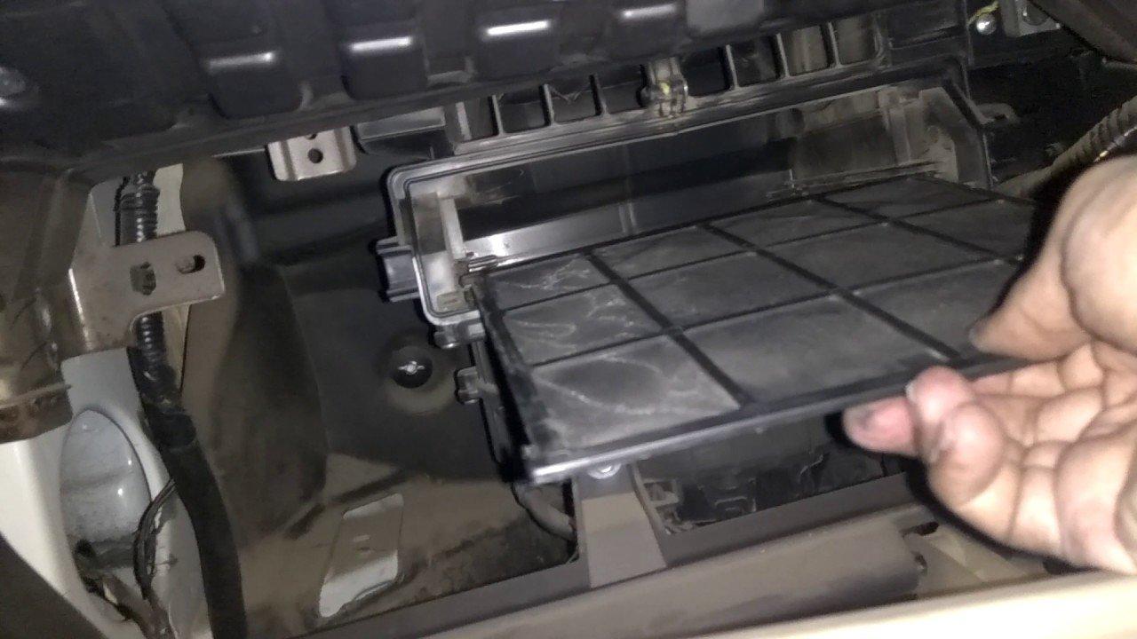 Đây là cách vệ sinh hệ thống điều hoà và khoang lái ô tô hiệu quả