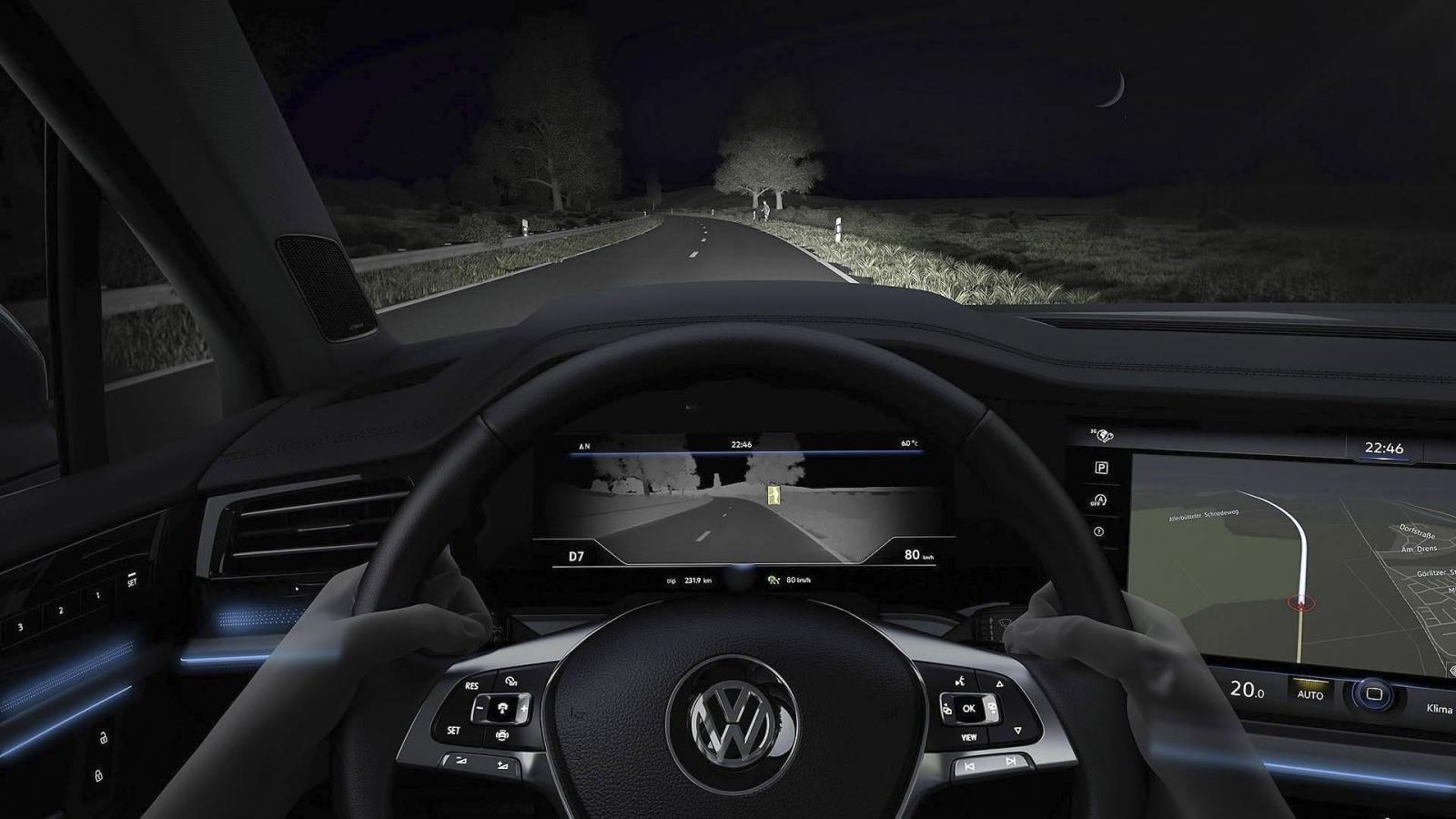 Đánh giá xe Volkswagen Touareg 2019 về trang bị tiện nghi: camera hồng ngoại nhìn đêm 2