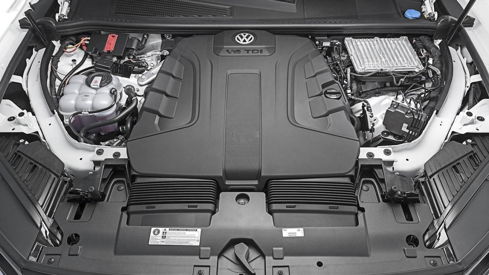 Đánh giá xe Volkswagen Touareg 2019 về động cơ: tăng áp V6 3,0 lít mạnh mẽ 2