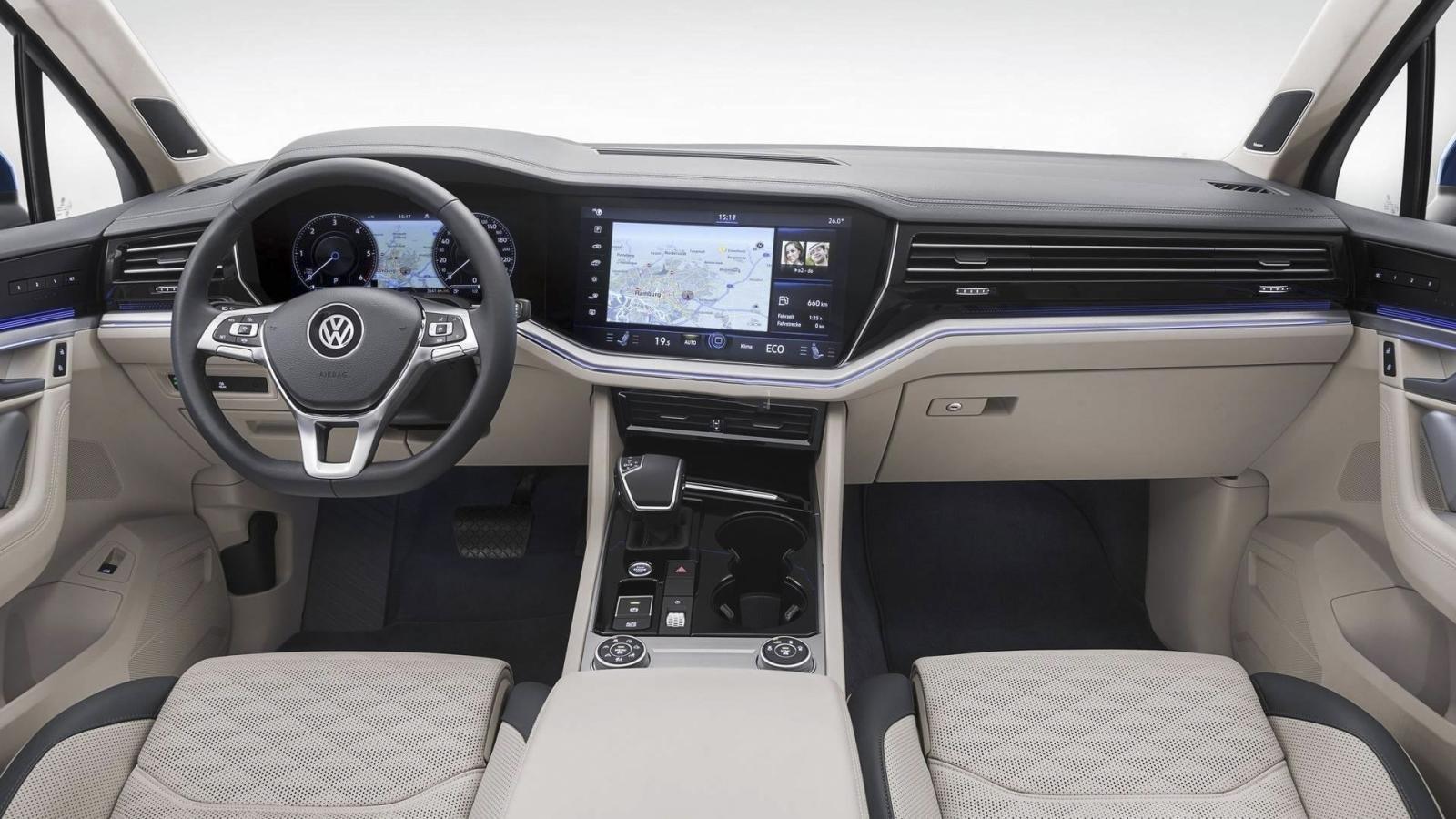 Đánh giá xe Volkswagen Touareg 2019 về bảng táp-lô: mang đậm phong cách thiết kế Innovision Cockpit 2