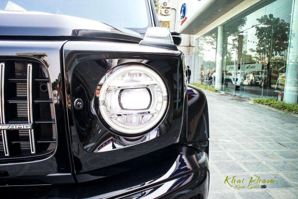 Ảnh chụp đèn pha sáng xe Mercedes-AMG G63 2020