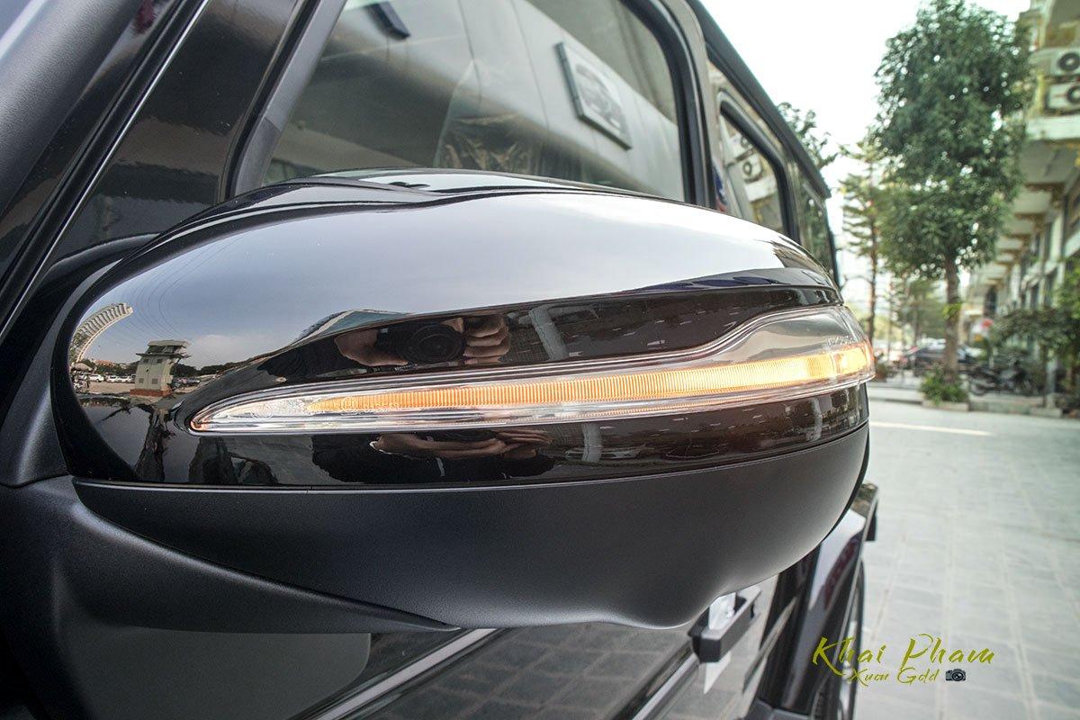Ảnh chụp gương chiếu hậu xe Mercedes-AMG G63 2020