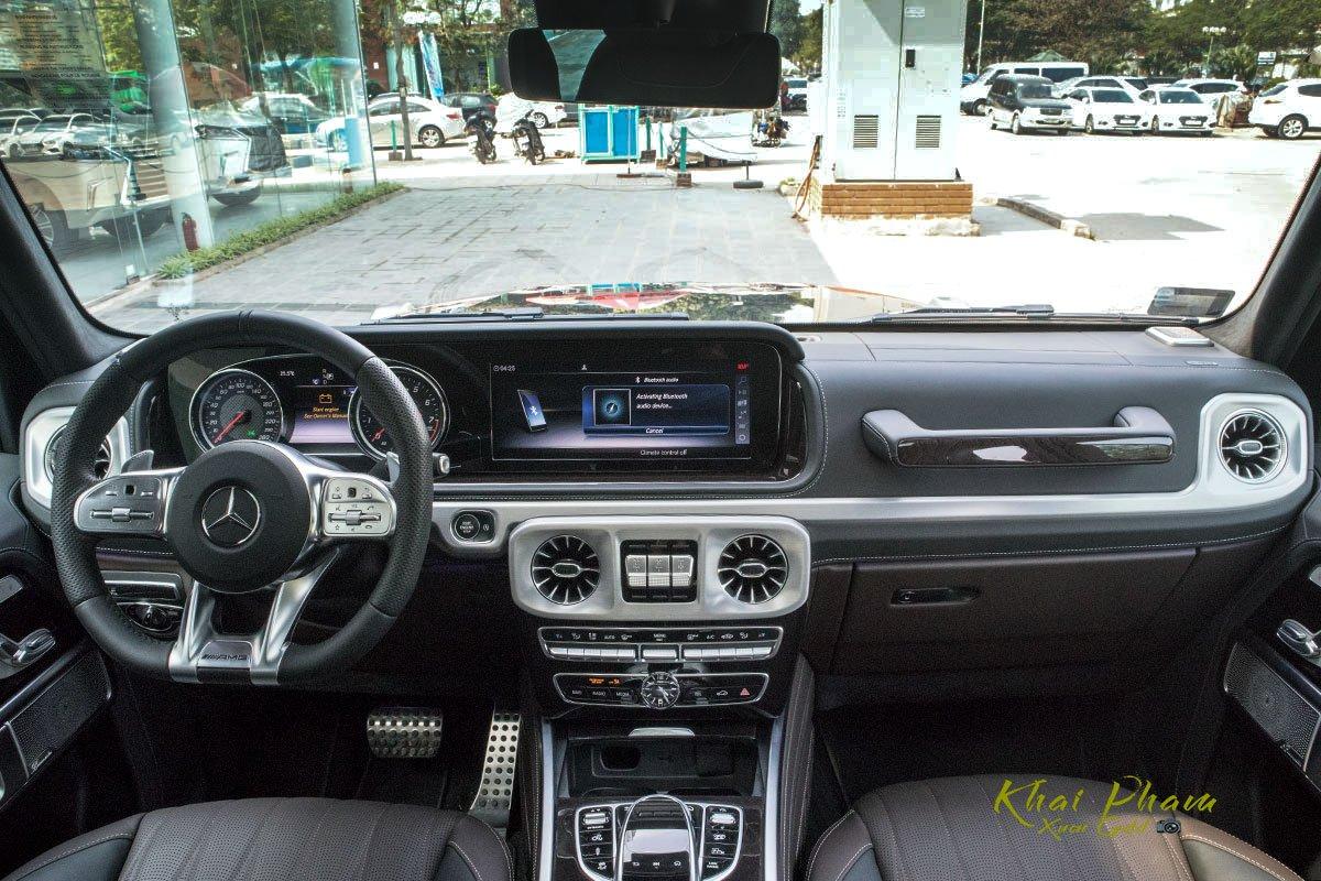 Ảnh chụp khoang lái xe Mercedes-AMG G63 2020