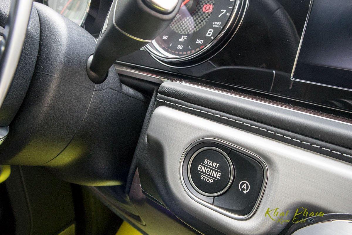 Ảnh chụp nút bấm khởi động xe Mercedes-AMG G63 2020