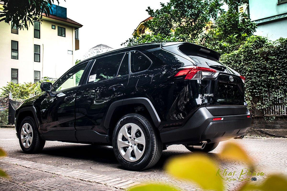 """Toyota RAV4 2020 đầu tiên tại Việt Nam vừa đã đại lý, nhiều chi tiết hấp dẫn """"dân chơi"""" Việt a2"""