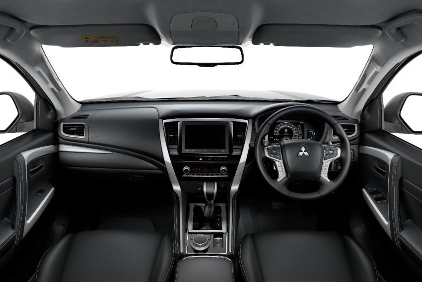 Thông số kỹ thuật xe Mitsubishi Pajero Sport 2020: Nội thấta1