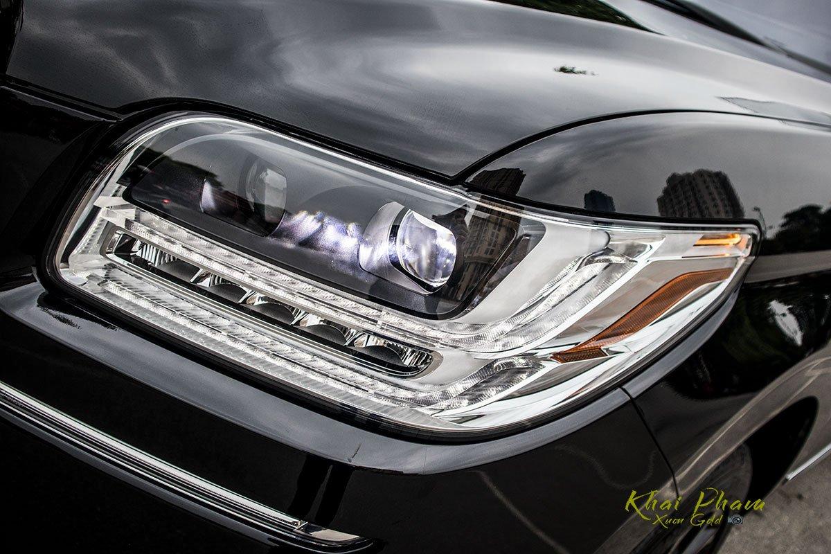 Ảnh đèn pha xe Lincoln Navigator L Reserve 2020 1