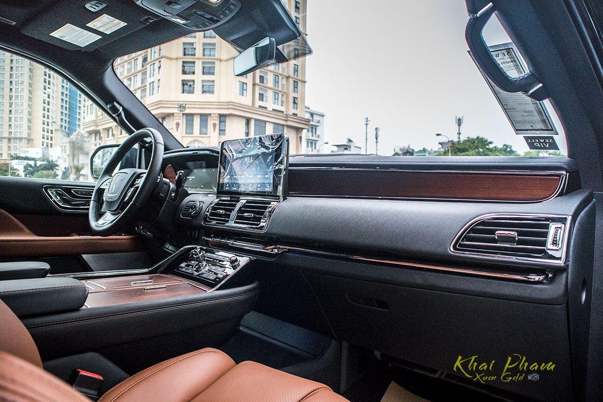 Ảnh táp-lô xe Lincoln Navigator L Reserve 2020