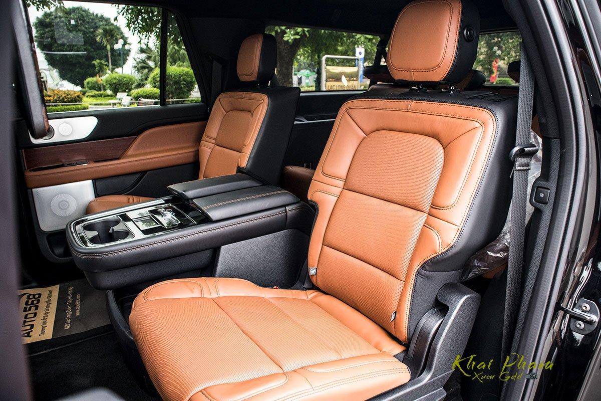 Ảnh ghế sau xe Lincoln Navigator L Reserve 2020 1