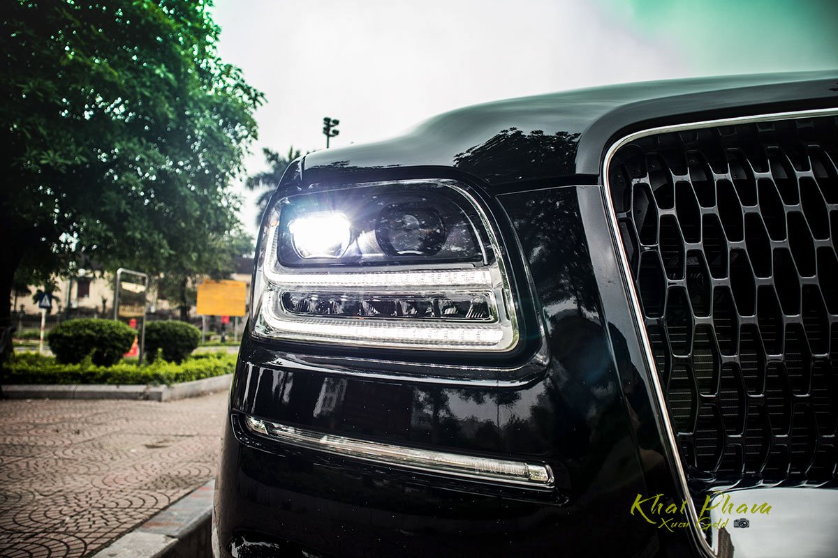 Ảnh đèn pha xe Lincoln Navigator L Reserve 2020