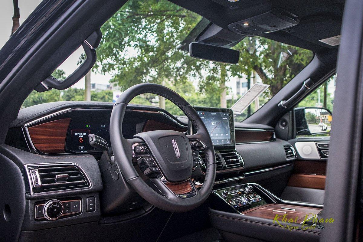 Ảnh xa vô-lăng xe Lincoln Navigator L Reserve 2020