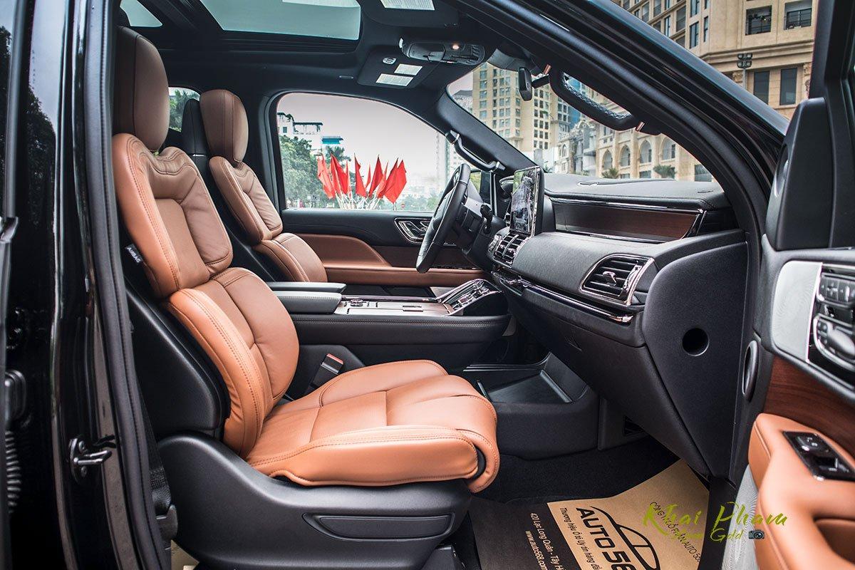 Ảnh ghế phụ xe Lincoln Navigator L Reserve 2020