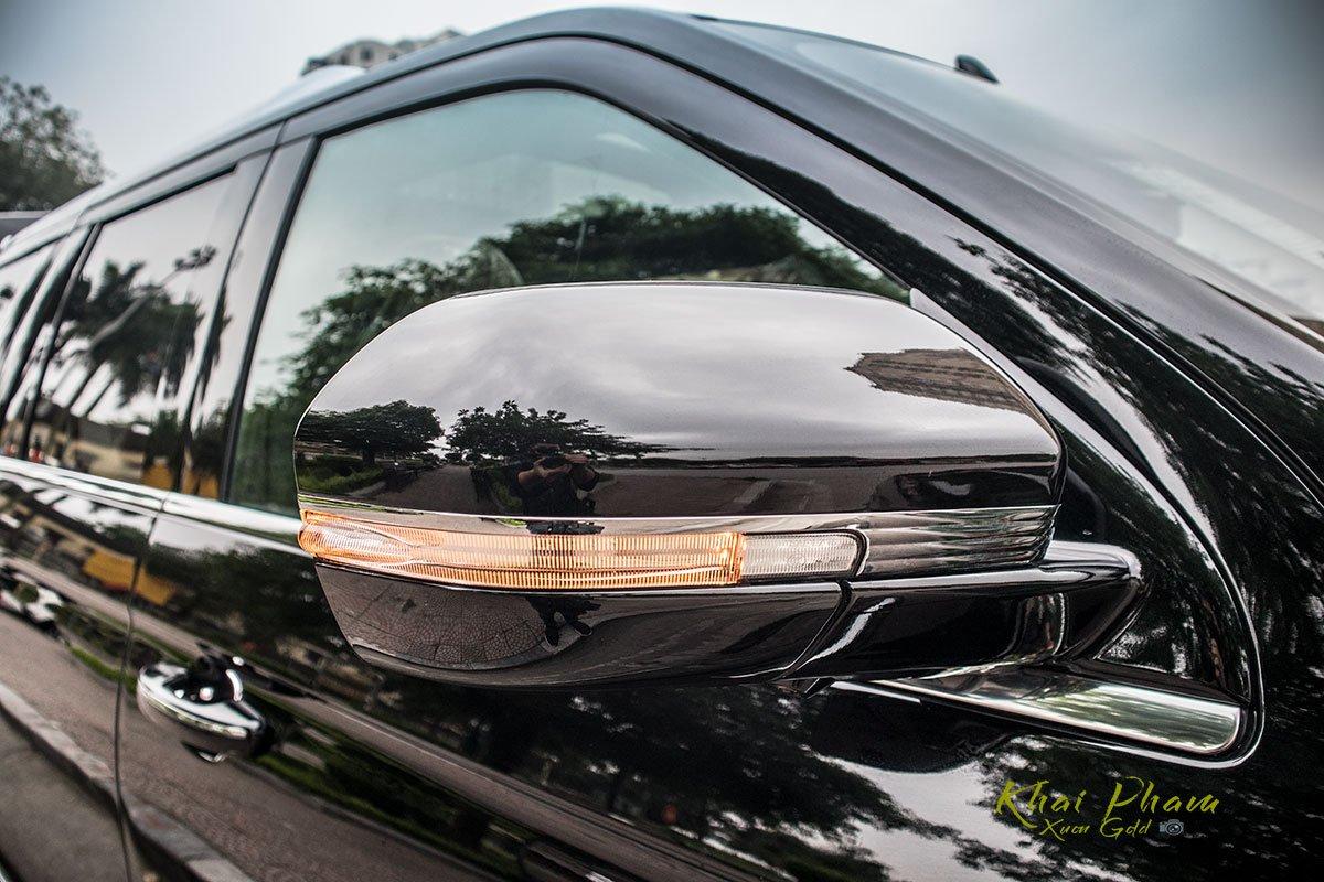 Ảnh gương chiếu hậu xe Lincoln Navigator L Reserve 2020 1