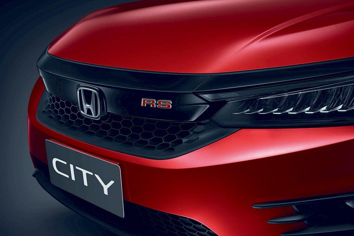 Đánh giá xe Honda City 2020 phiên bản RS: Lưới tản nhiệt sơn đen bóng.