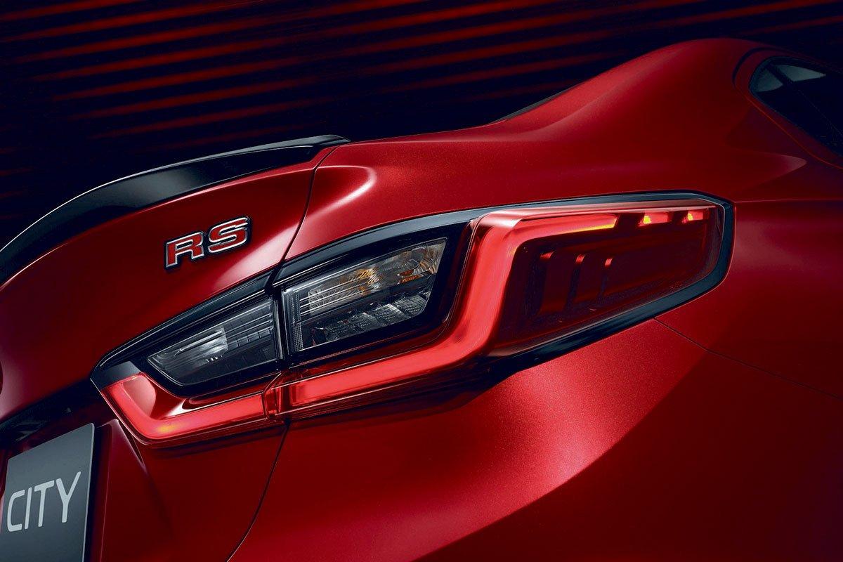 Đánh giá xe Honda City 2020 phiên bản RS: Cụm đèn hậu LED đầy ấn tượng.