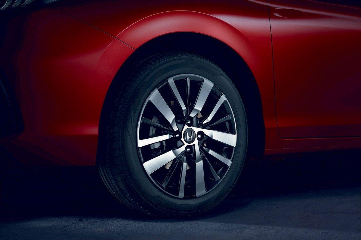 Đánh giá xe Honda City 2020 phiên bản RS: La-zăng 5 chấu kép 16 inch.
