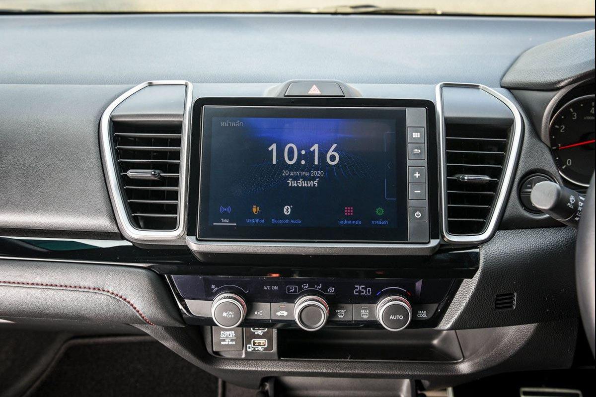 Đánh giá xe Honda City 2020 phiên bản RS: Màn hình giải trí 8 inch.