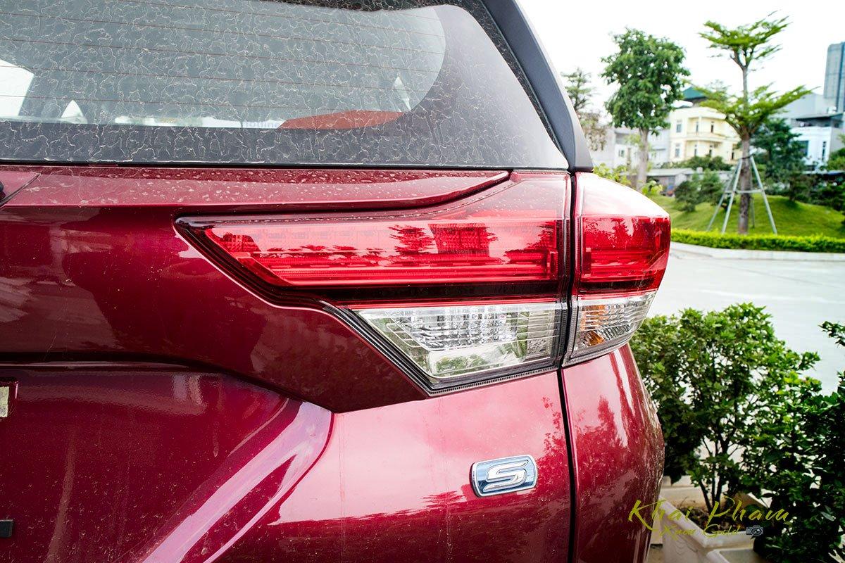 Ảnh chụp đèn hậu xe Toyota Rush 2020 1