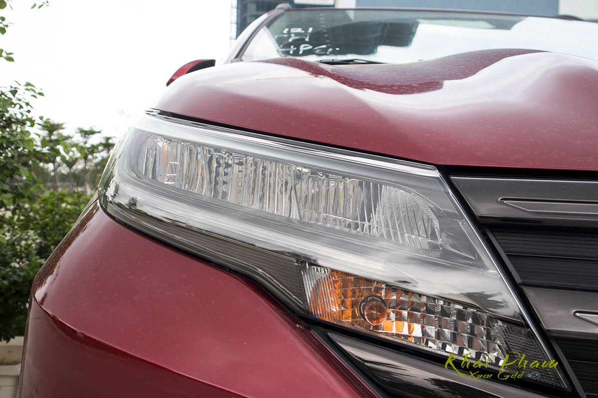 Ảnh đèn pha xe Toyota Rush 2020
