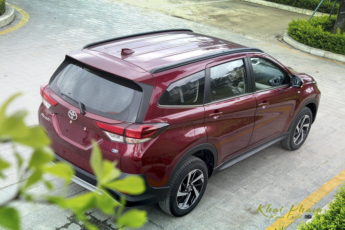 Ảnh sau xe Toyota Rush 2020