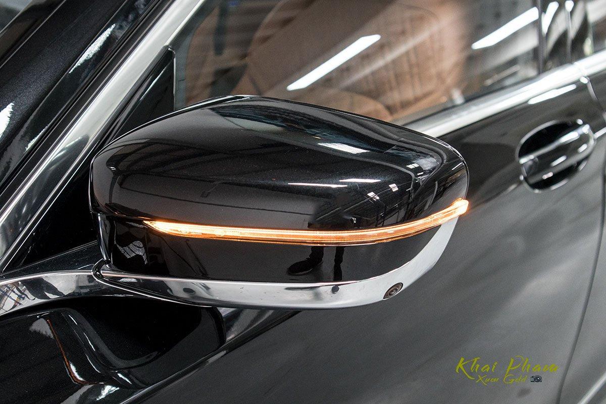 Ảnh gương xe BMW 740Li Pure Excellence 2020
