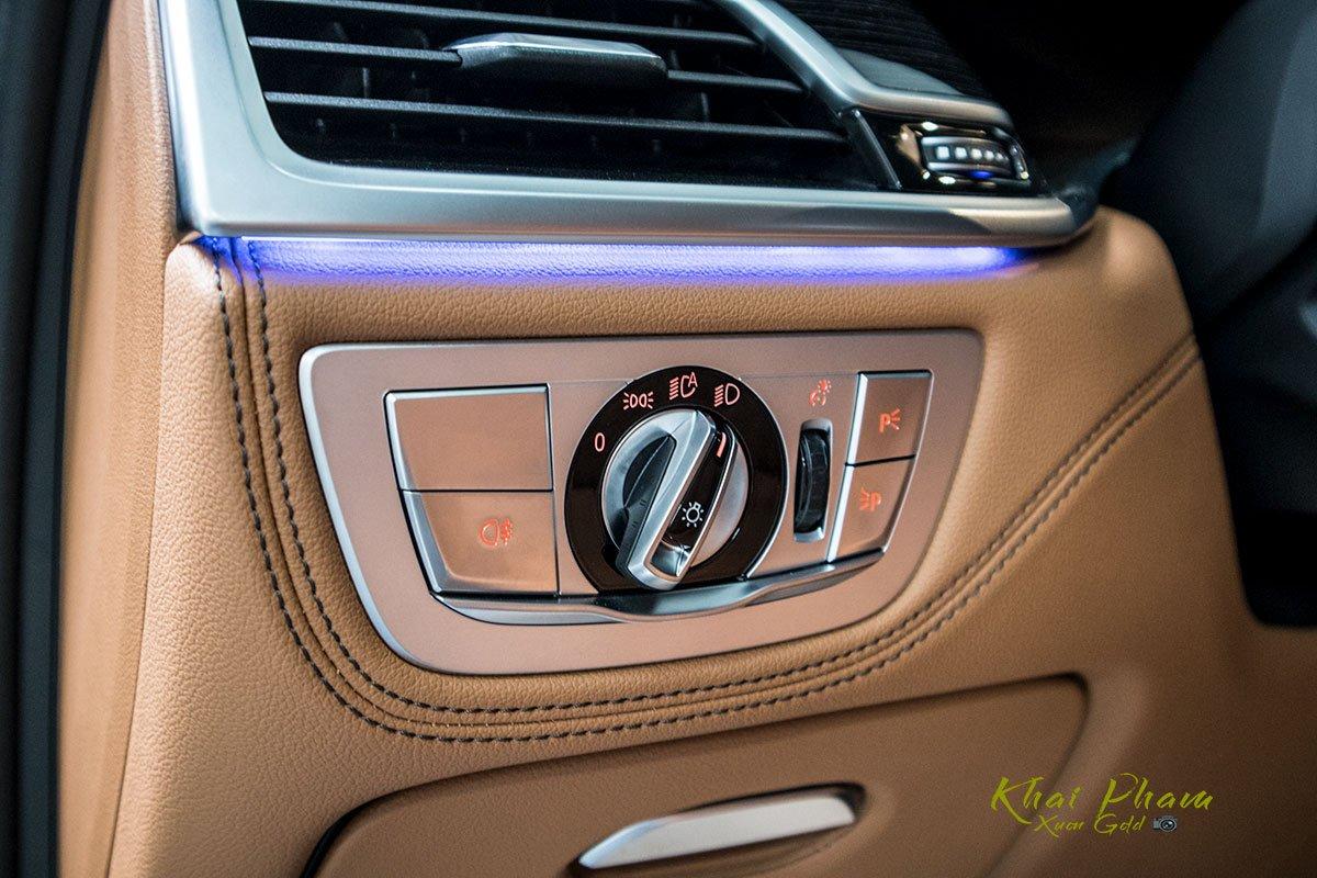 Ảnh nút chỉnh đèn xe BMW 740Li Pure Excellence 2020