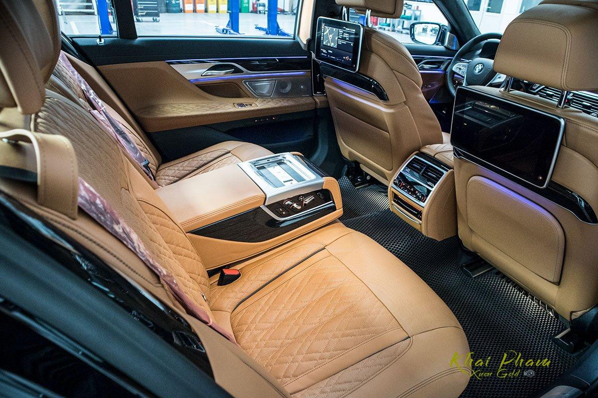 Ảnh ghế sau xe BMW 740Li Pure Excellence 2020 1