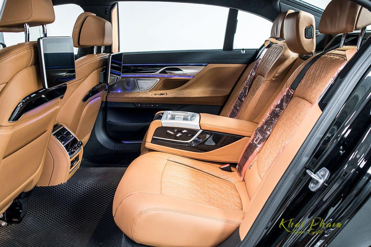 Ảnh ghế sau xe BMW 740Li Pure Excellence 2020