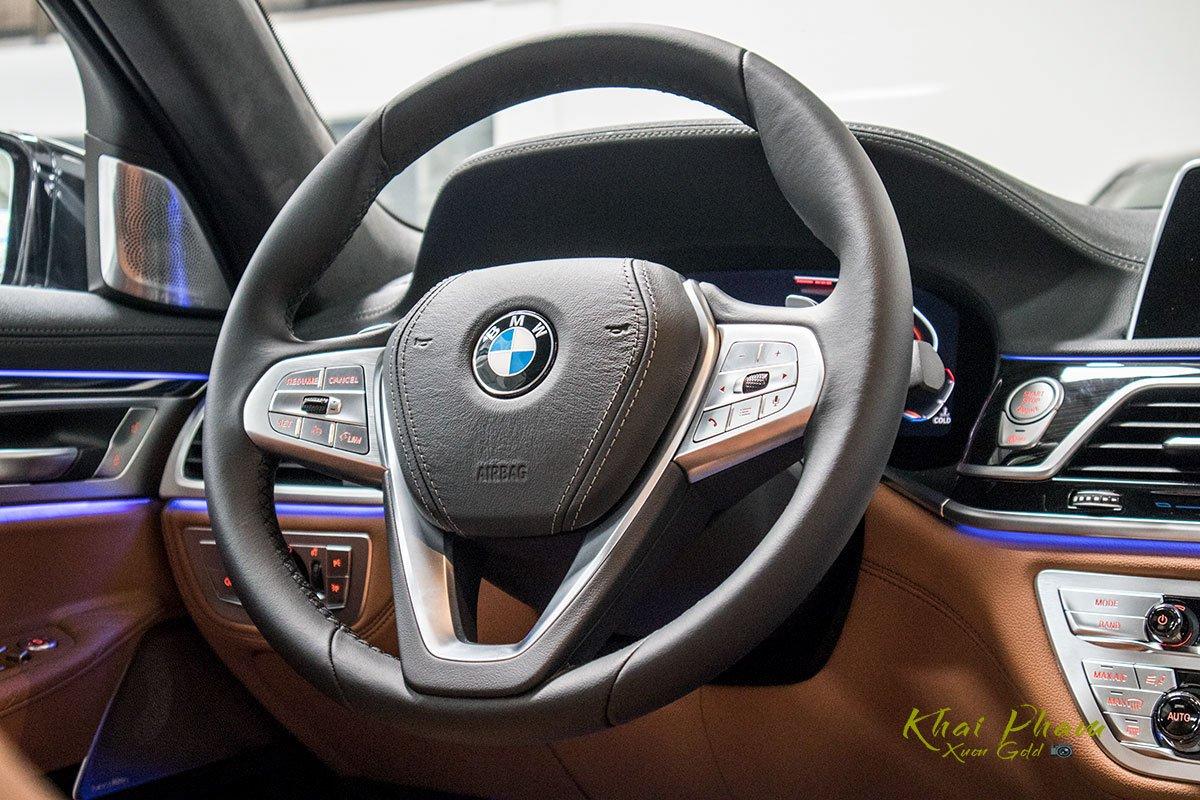 Ảnh vô-lăng xe BMW 740Li Pure Excellence 2020