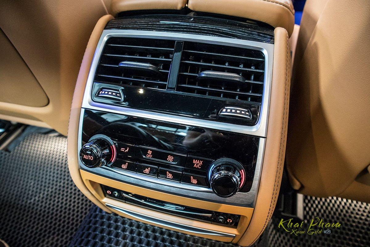 Ảnh điều hoà sau xe BMW 740Li Pure Excellence 2020