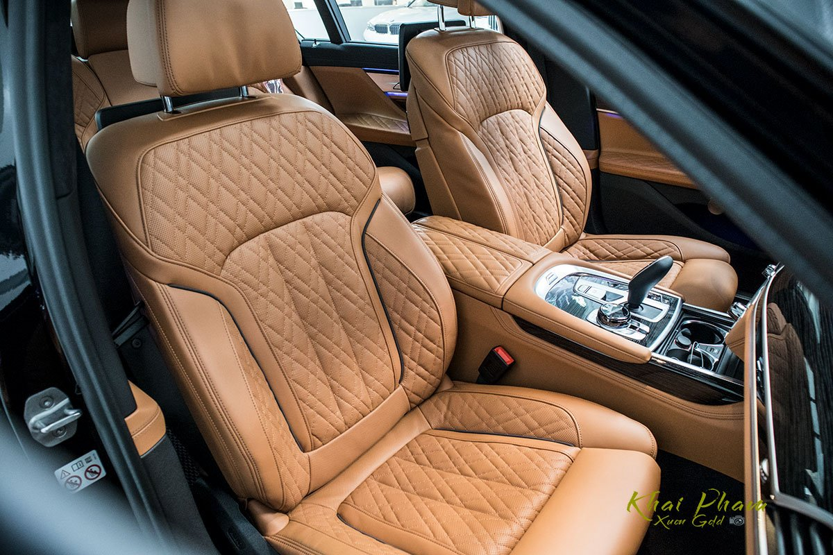 Ảnh ghế phụ xe BMW 740Li Pure Excellence 2020