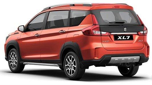 Phần đuôi xe Suzuki XL7 2020 1
