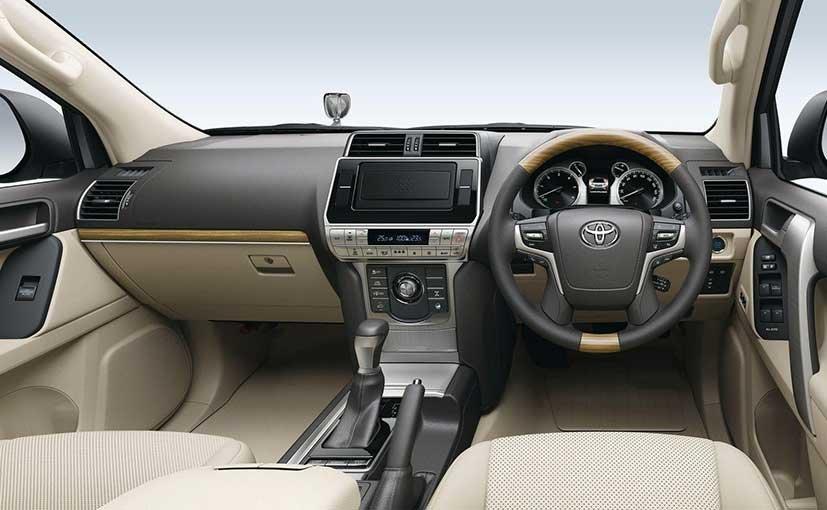 Tiện nghi xe Toyota Land Cruiser 2018